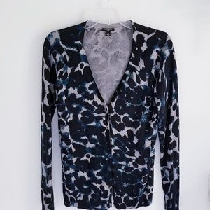 Ann Taylor  black blue animal print cardigan Med